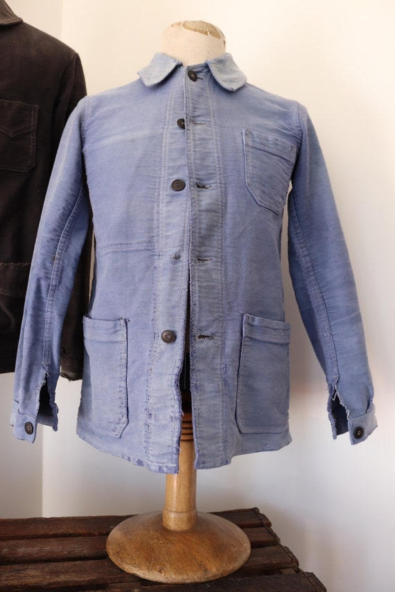 """Vintage 1950s 50s french bleu de travail blue moleskin chore work jacket workwear 36"""" chest sun faded darned repaired (1)"""