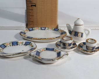 Dollhouse Miniatures - Tea pot, platters, cups and saucers