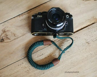 Blackish green Chinese knot 16mm handmade Camera wrist band