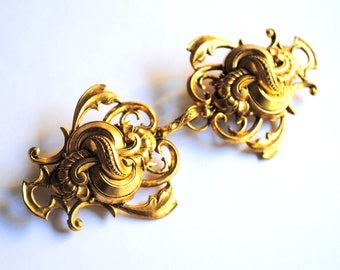 Vintage Two Brooches Set