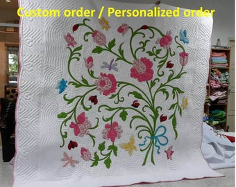 Appliqued floral quilts, Traditional quilting style hand stitched, Handmade quilts, Hawaiian décor, Aloha, home& living, coverlet, bedspread