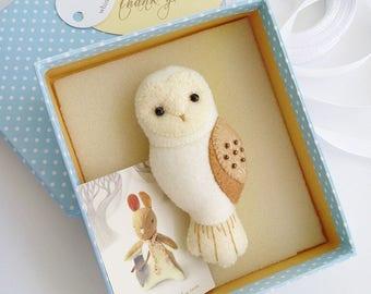 Handmade Barn Owl Felt Brooch, Woodland Animal Jewelry, Ivory White Barn Owl Pin, Handmade Gift for Animal Lovers