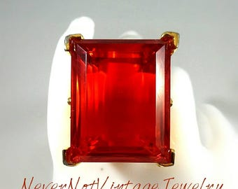 Kenneth Jay Lane large ruby crystal ring 22kt gold plated