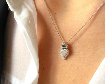 Necklace with a sacred heart entirely made of 925 silver with zircons