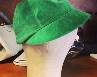 1940s green velvet cap
