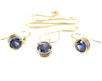 Busted Dark Blue set - pendant and earrings