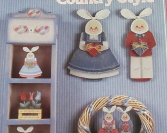 "1987 Decorative Folk Art painting "" Pastels Country Style"" by Betty Headman  used book 32 pages"