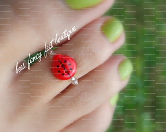 Lady Bug Toe Ring, Lady Bug Button, Lady Button Ring, Red Lady Bug Button, Stretch Bead Toe Ring