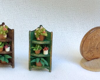 Micro corner with potted plants ,wood painted. Hand made, scale 1/144