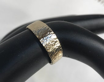 14k Solid Gold Textured Wedding Band size 6.5
