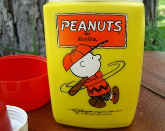 VINTAGE CHARLIE BROWN PEANUTS THERMOS TO ADD TO YOUR COLLECTION