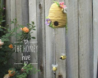 Needle felted bee hive mobile, honey bees, Nursery bee hive decor, wool felt bees, bubble bee, bee art mobile