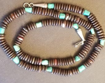 vintage turqouise shell necklace,sterling silver clasps,turquoise stones,southwestern jewelry