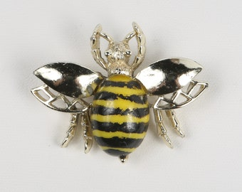 1960's Bumble Bee Pin, Plastic Yellow w Black Paint Jelly Belly on Gold Tone with Open Work Wings, Swivel C-Clamp. Great Vintage Condition.