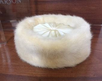 Vintage Off White Mink Fur and Satin  Pill Box Hat,  Mid Century,  1950's, sz 22,  made in USA,  Vintage Fur, Satin Lining, Beautiful Cond!
