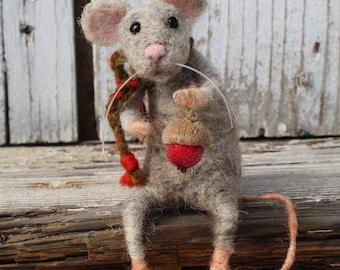 Christmas mouse,Needle felted christmas mouse,Felt anmal,Christmas mice, Felted winter animal, Christmas decoration, Art doll, Eco toy, Felt