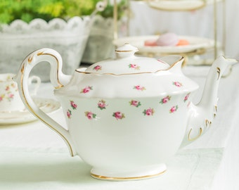 Antique 'Ye Olde English' full size teapot by Grosvenor China/ Jackson and Gosling, Downton Abbey style