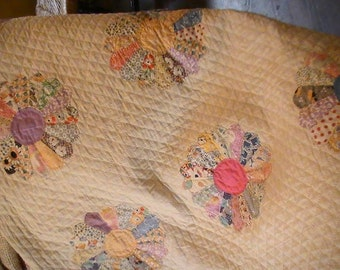 Beautiful All Hand Stitched Vintage Dresden Quilt