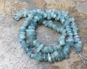Aigue-marine pépite, Chips d'aigue-marine, Pierre puce perles, 5 à 8mm environ, 15 inch strand