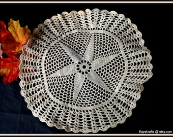 White Doily, Vintage Crocheted Star Doily, Vintage Hand Made Crocheted Star Doily, Christmas Gift, Gift For Her