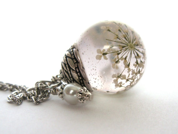 Beautiful queen annes lace resin pendant necklace sphere mozeypictures Gallery