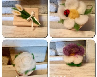 Wooden box with flower application in carded wool and faiaba. Various forms. Custom