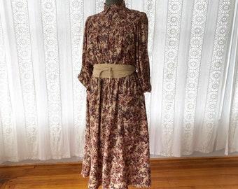 70s hummingbirds and butterflies dress // Floral Young Edwardian dolman sleeve dress