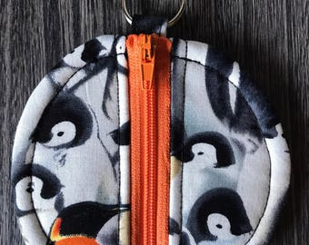 Penguin circle pouch