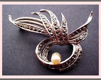 Vintage Pin Brooch: Elegant Vintage Marcasite Pin Brooch