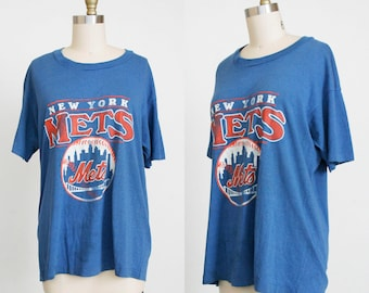 Vintage 1980's Mets Baseball T - Shirt - Scoop Neck - Ready To Wear - Short Sleeve - Large