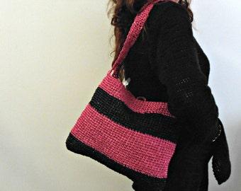 Raffia crochet bag, block colors vegan shoulder bag, crochet shopping bag black and fuchsia, crochet backpack, vegan mother's day gift