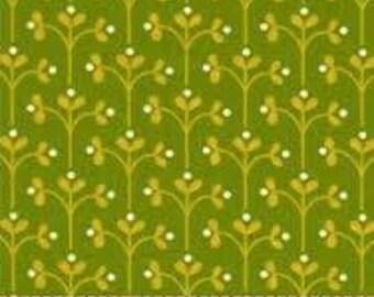 Little Kukla Vine Green in Green-  Robert Kaufman 1 Yard Cut