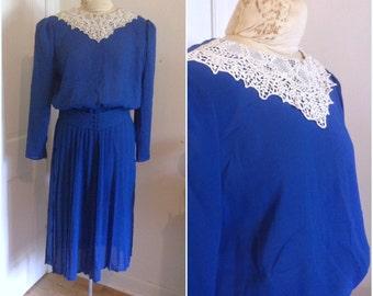 Vintage lace collar dress, vintage blue dress, long sleeve dress, vintage size medium, 8, 10, Eighties does Forties