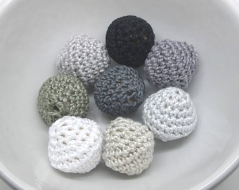 8 beads crocheted