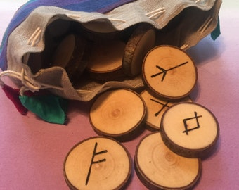 Maple wood runes -elder futhark