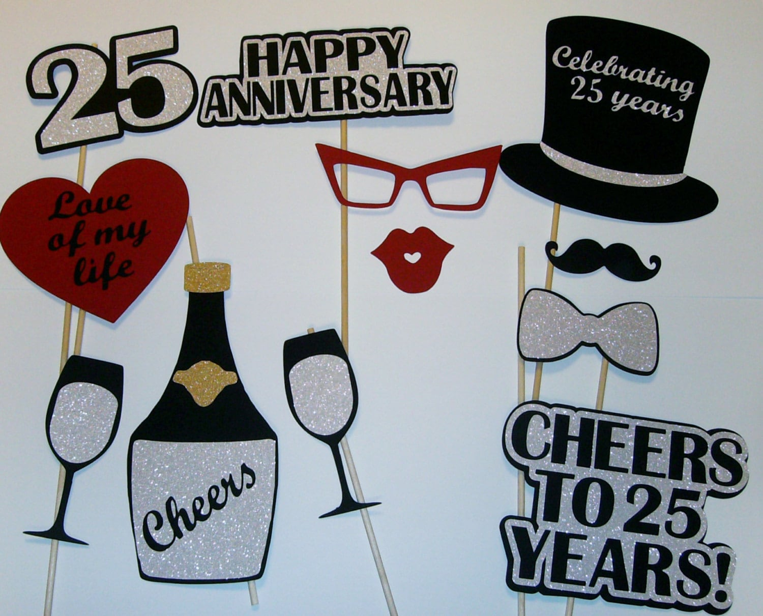 Ideas For 25th Wedding Anniversary Party Games | deweddingjpg.com