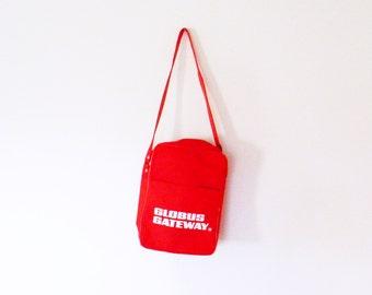 Bright Red Vintage Travel Bag / Retro Shoulder Bag or Carry On / Vintage Airline Flight Bag