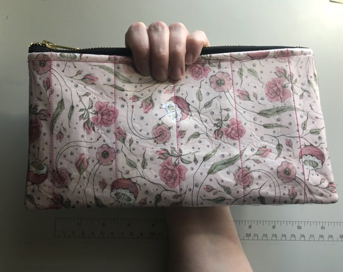 Floral wristlet/clutch (Made of fabric with clear vinyl top layer)