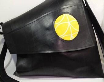 Inner tube recycled bag mod. Irregular