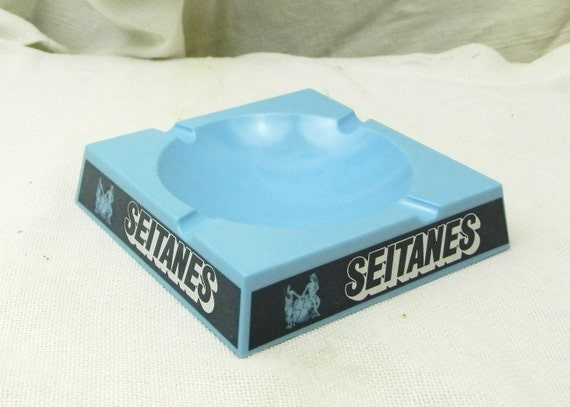 Vintage Mid Century 1960s French Pale Blue Melamine Bistro Seitanes Ashtray, Gitaines Cigarettes from France, 1950s Bar Bistro Ash Tray