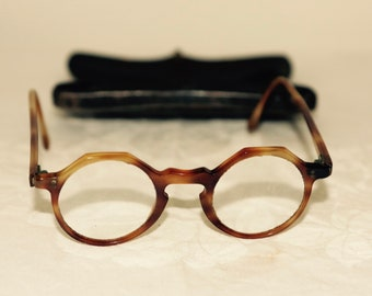Vintage Frencgh Spectacles complete with Metal Case