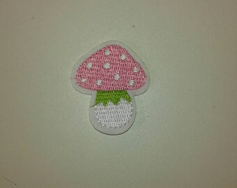 Cute mushroom patch embroidered patch colors fusible 4 * 3.5 cm