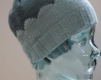 Teen adult scallop design hat beanie toque merino wool aqua and green