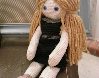 "Crochet cotton thread and yarn ""Soft Eléa"" doll."