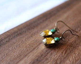 vintage glass earrings - lemon yellow and green