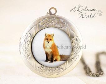 Fox Locket Necklace, Red Fox Jewelry Locket, Bronze Photo Locket, Fox Animal Locket, Nature Locket, Animal Lover Jewelry, Winter Wildlife
