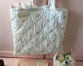 Vintage quilted Tote Bag ..beach bag/ project bag/ peg bag/ ditsy Rose .