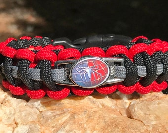 Spider Man Paracord Bracelet, shoelace charm with a clear glass dome