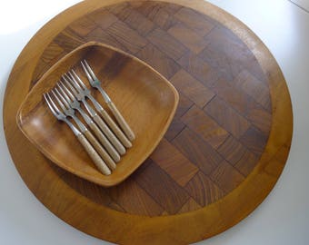 Mid Century Modern Dansk IHQ Cheese Board, Jens Quistgaard, Denmark and Japanese Appetizer and Tray Set