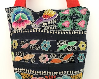 Unique boho ethnic tote bag made with Peruvian vintage fabric MB2